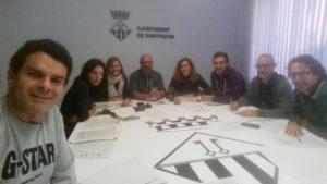 Els regidors de l'equip de govern de Santpedor treballant a l'ajuntament pel Dia de la Constitució