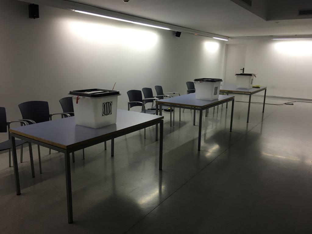 El ple de Santpedor aprova que la sala annexa de la biblioteca es digui Sala 1 d'Octubre