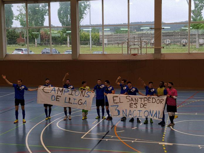 Els jugadors del CEFS Santpedor s'han proclamat campions de Divisió d'Honor FOTO:SERGI TREMP