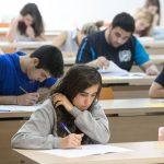 Alumnes fent l'examen de selectivitat.