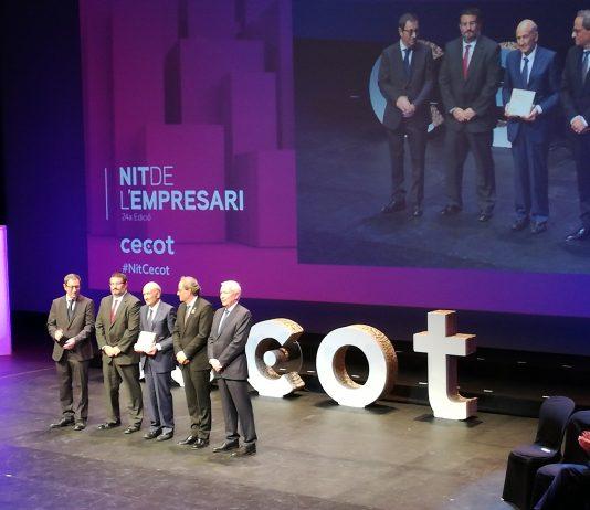 Ampans rep el premi en la categoria d'innovació de la mà del President de la Generalitat FOTO.AMPANS