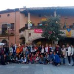 Estudiants participants del projecte Erasmus+ a la Plaça Gran de Santpedor