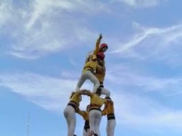 Els Castellers de Santpedor descarreguen el primer castell de set de la temporada