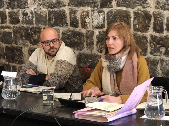 La regidora d'Hisenda, Judit Raja, explicant els pressupostos pel 2019 al ple extraordinari de desembre FOTO.AJUNTAMENT DE SANTPEDOR