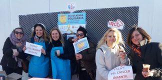 Imatge de la xocolatada solidària Taca't pel Càncer que van fer des de l'AMPA del CEIP Santa Quiteria FOTO. AMPA CEIP Santa Quiteria