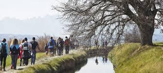 Caminants fent la Transèquia FOTO.PARC DE LA SÈQUIA
