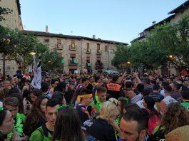 Plaça Gran de Santpedor després de l'entrada de penyes el divendres
