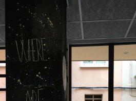 Mural del Lokal de la Vila pintat el 2019 pel seu desè aniversari.