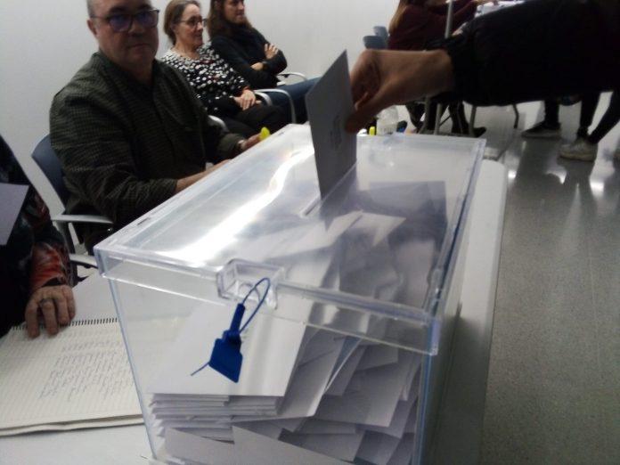 Vot durant la consulta sobre les vaquetes.