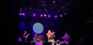 Anaïs Vila durant la presentació de 'Contradiccions' al Kursaal. - FOTO: Neus Castañares.